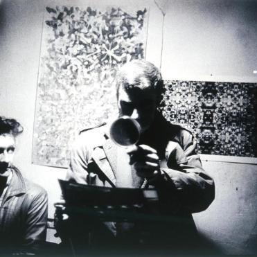 Ian Sommerville et Brion Gysin dans la chambre 25 du Beat Hotel ©Harold Chapman