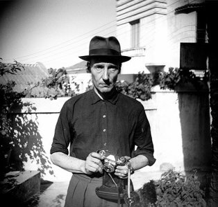 William Burroughs. Unknown-Photographer