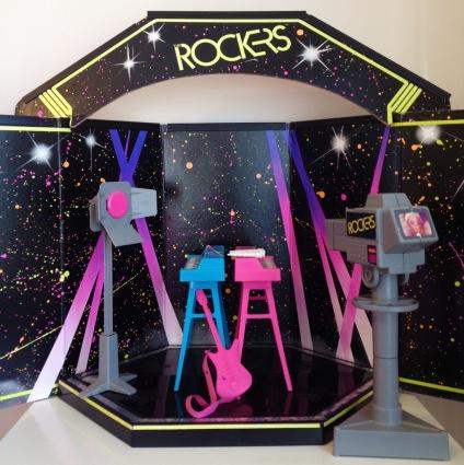 La scène du groupe de Barbie Rock Star. C'était l'époque de Jem et les Hologrammes !